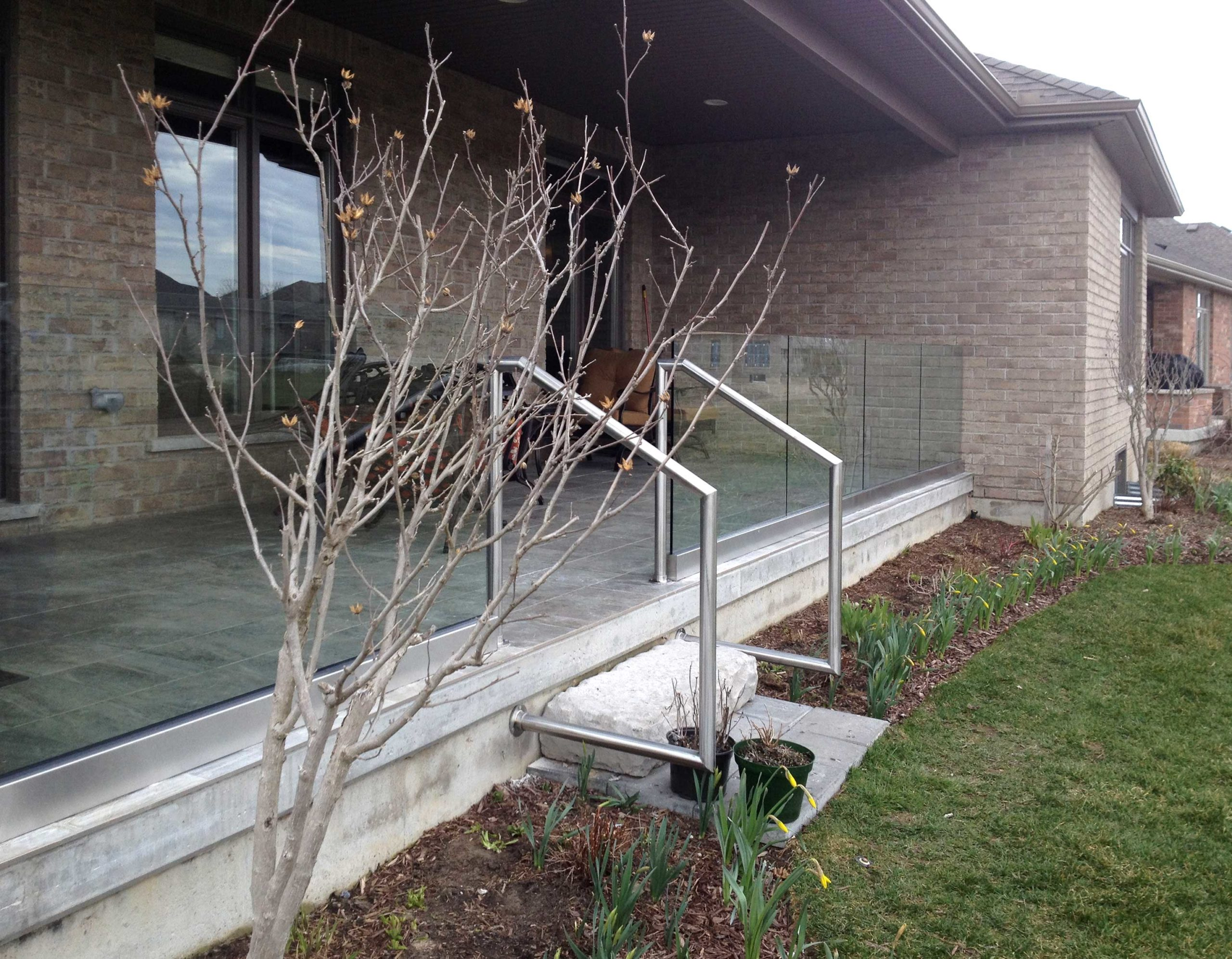 GC Residential Railing Exterior 2016 03 31 Riverbend 2 scaled