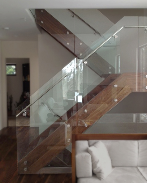 GC Residential Railing Interior 2013 02 07 Stand off 1 1