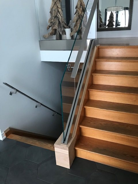 close up of glass railings fitting